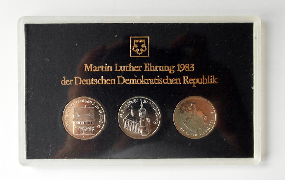 Ddr Themensatz Martin Luther Ehrung 1983 3 X 5 Mark In Hartplastik